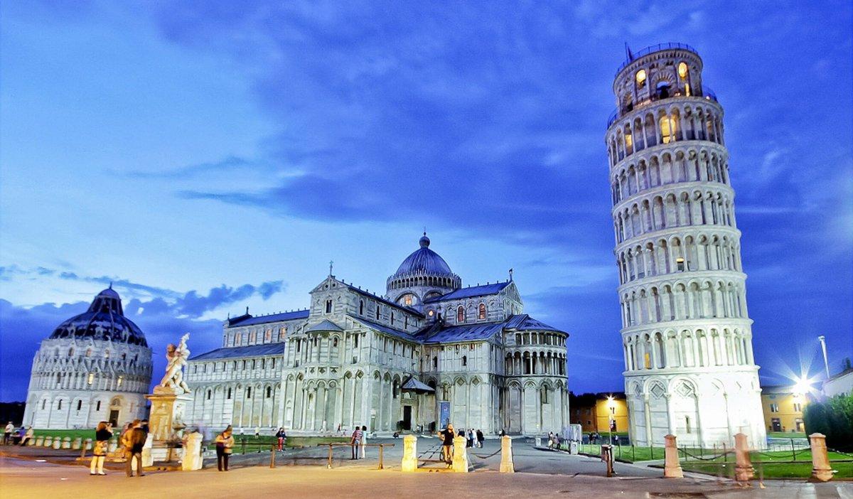 The Piazza del Miracoli in Pisa