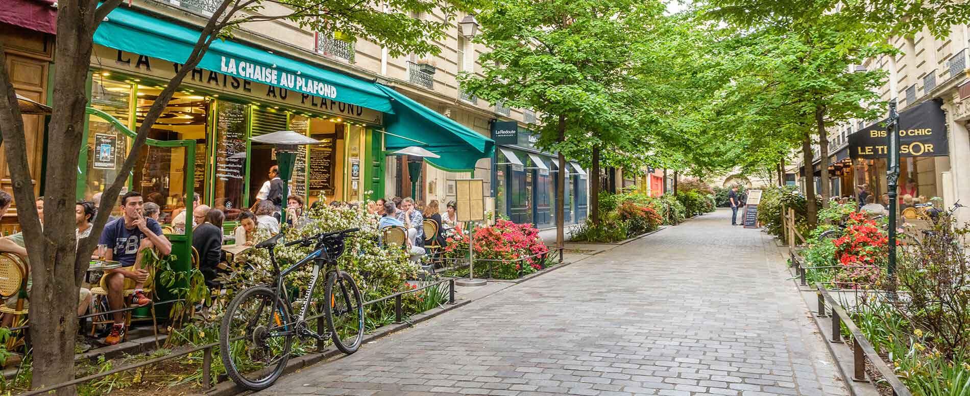 Le Marais Shopping Paris - All Luxury Apartments