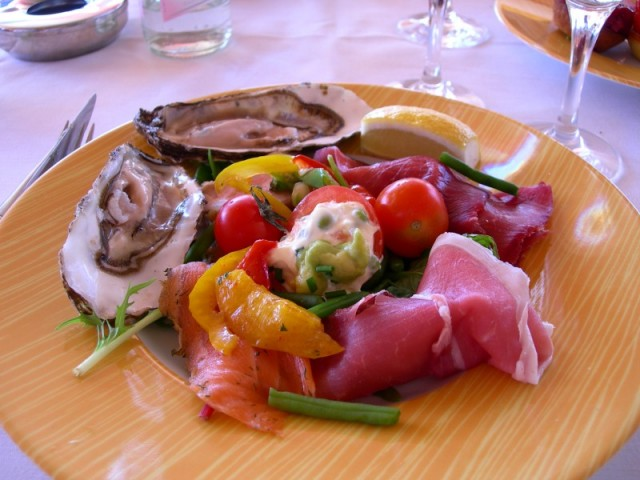 Cannes Cuisine - All Luxury Apartments