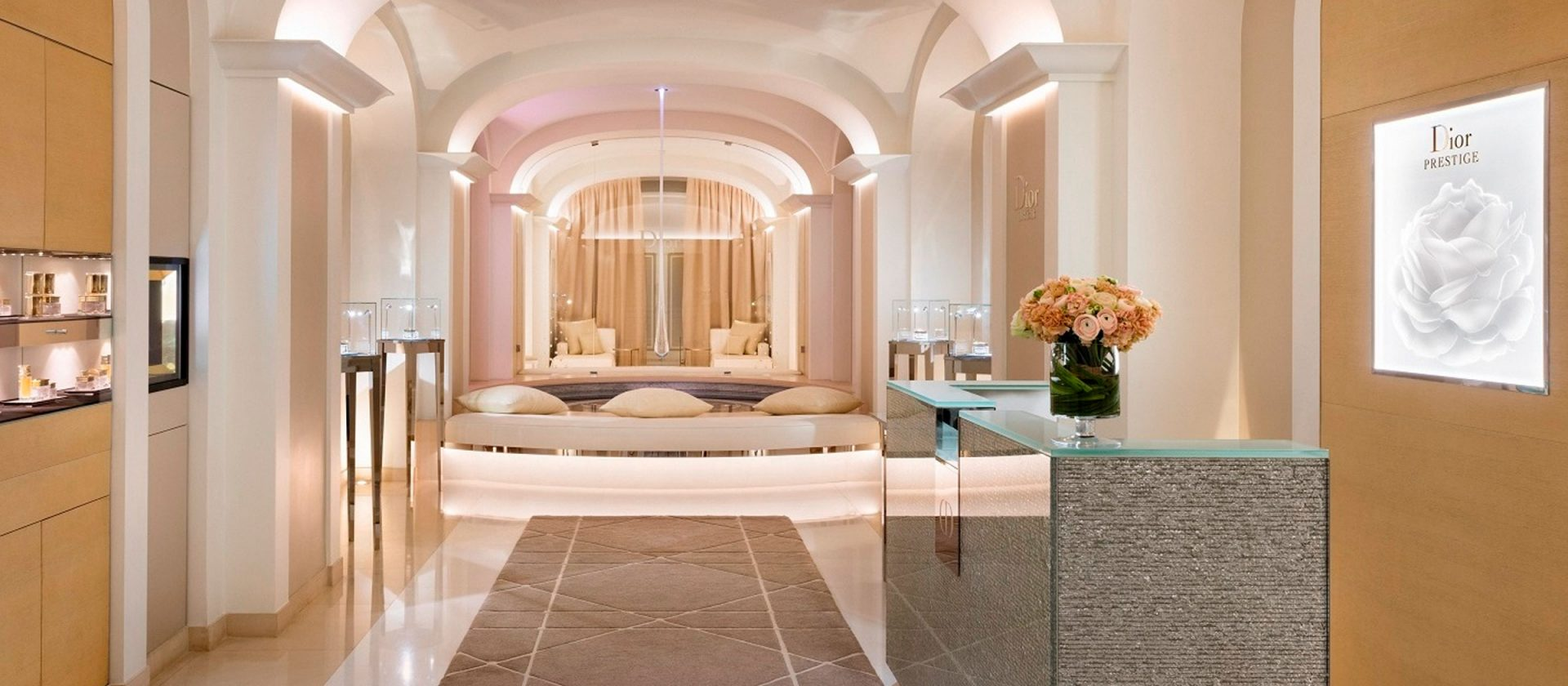 INSTITUT DIOR, HOTEL PLAZA ATHÉNÉE - All Luxury Apartments
