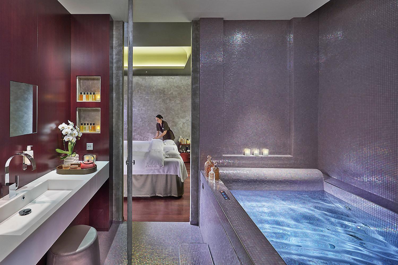 MANDARIN ORIENTAL, PARIS - All Luxury Apartments