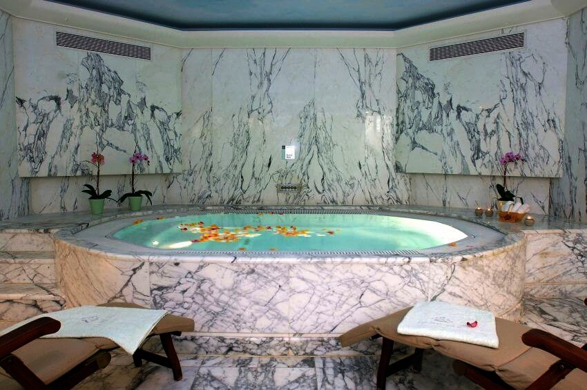 SPA VALMONT, LE MAURICE - All Luxury Apartments
