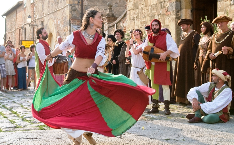 Medieval Festival in Tuscany - All Luxury Apartments