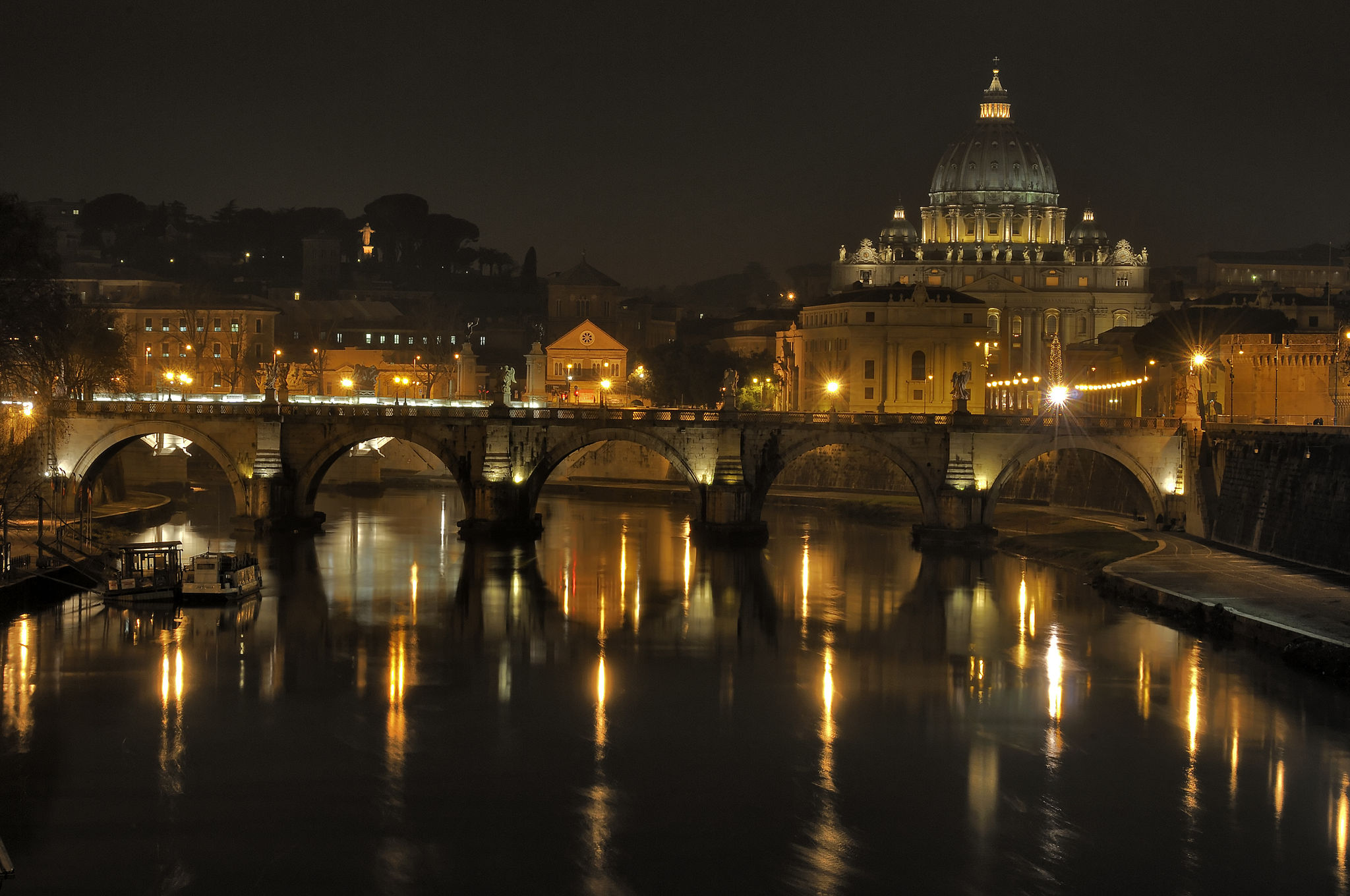 Rome at night - All Luxury Apartments
