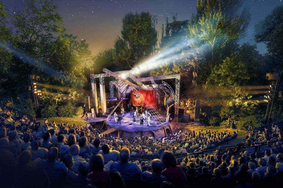 open air theatre in London - All Luxury Apartments