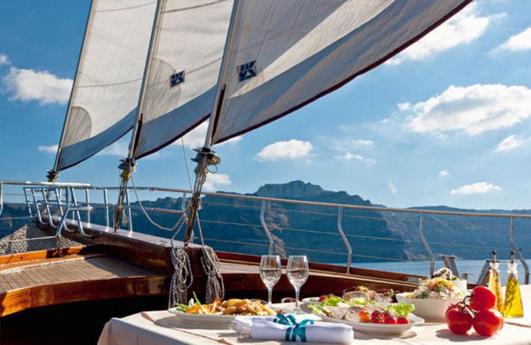 sunset cruise in Santorini - All Luxury Apartments