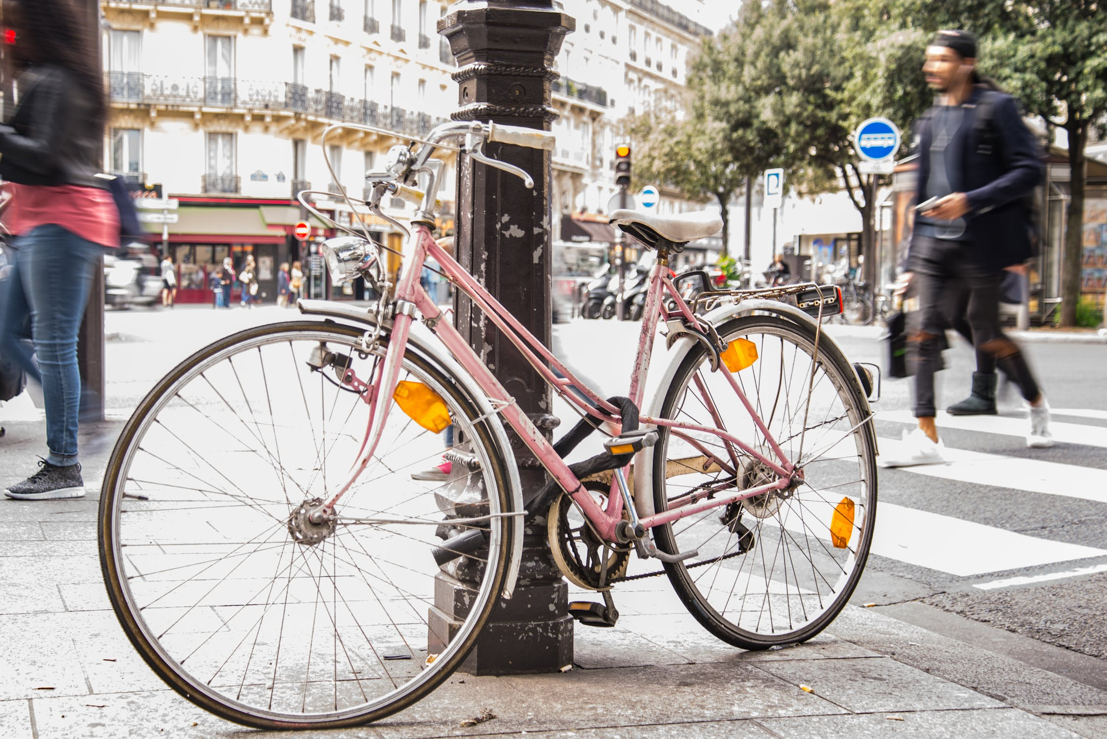 biking in Paris - All Luxury Apartments