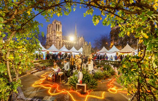Notre Dame - best paris christmas markets