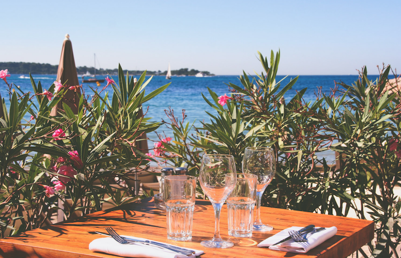 Beach restaurants french riviera