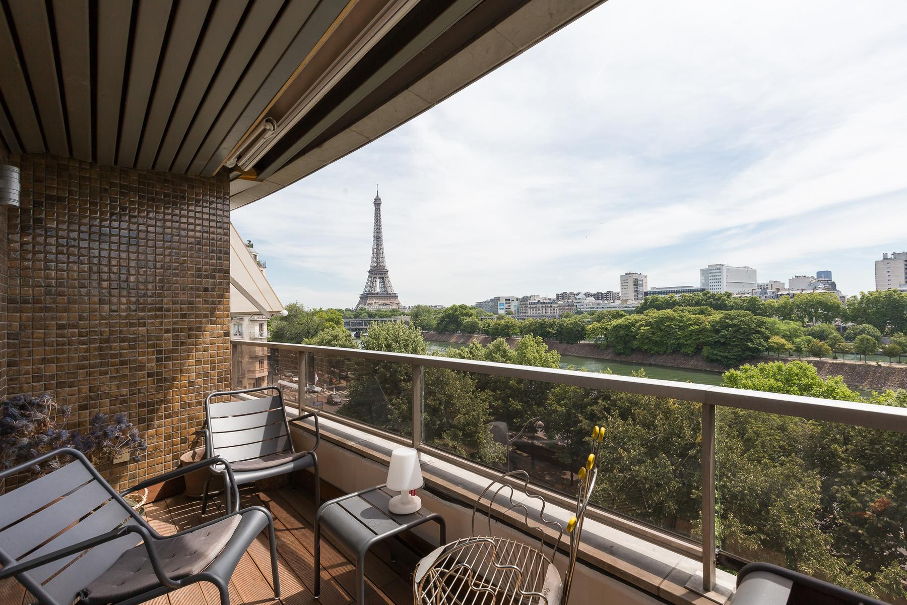 Paris apartment Eiffel Tower view