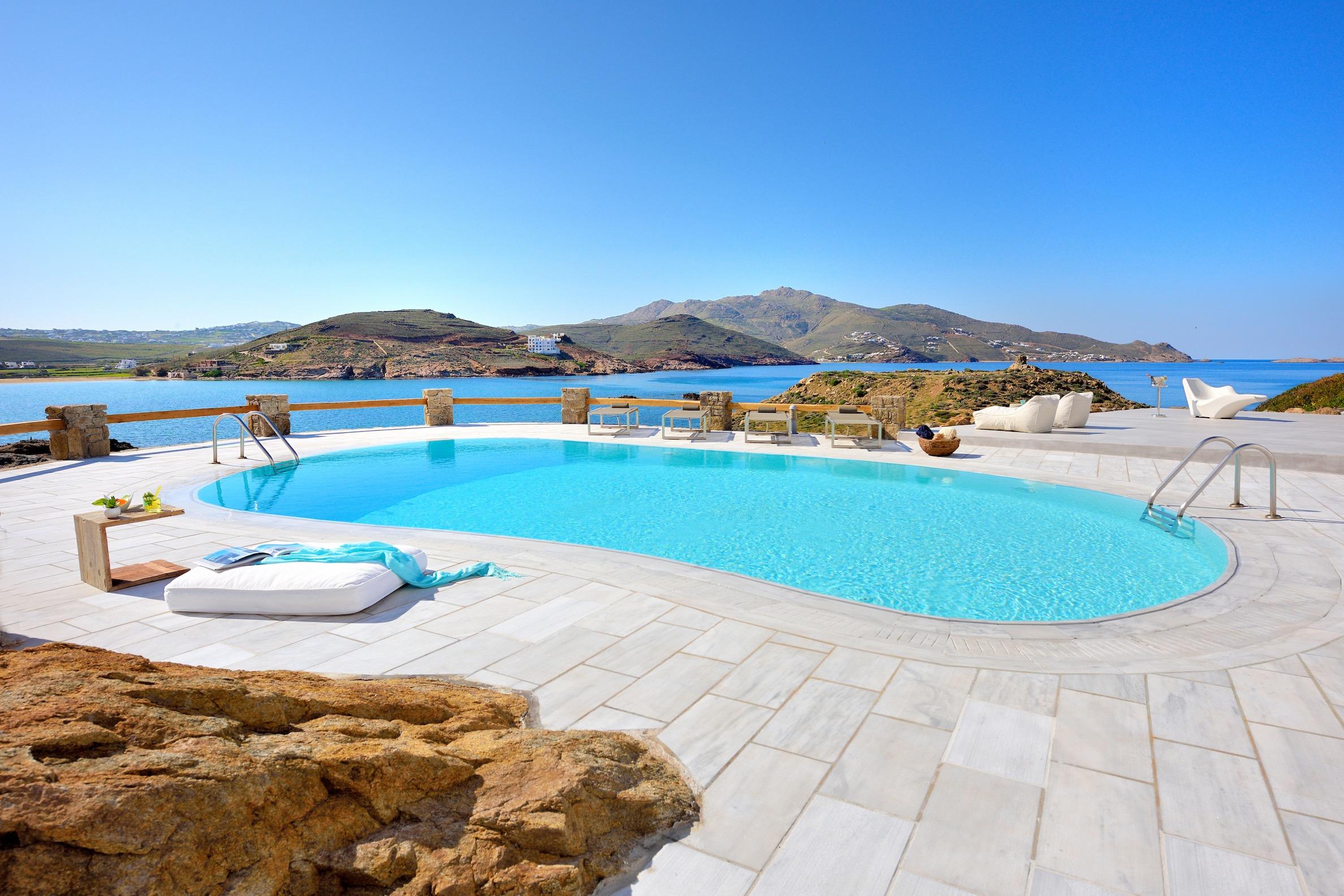 World class luxury villas in the Greek island of Mykonos