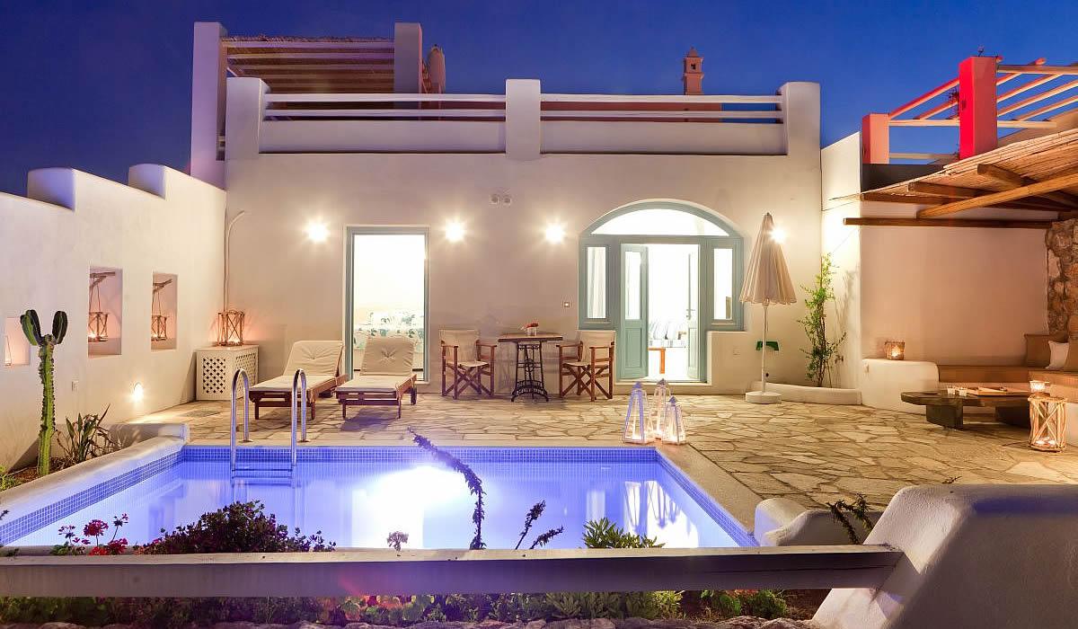 Romantic luxury villas in the Greek Island of Santorini for couples