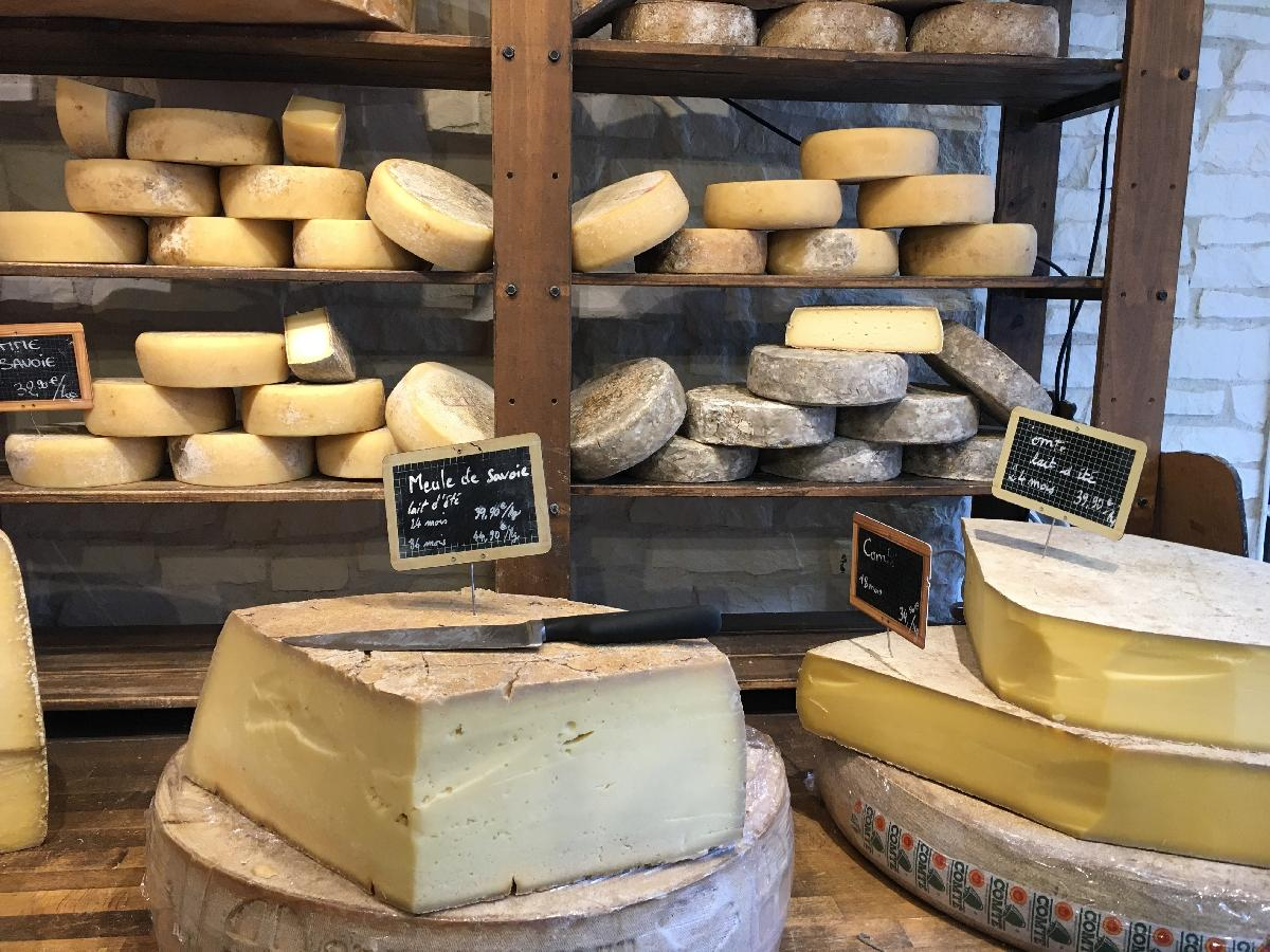 New to Paris? Parisian customs and traditions that the tour books don't tell you about
