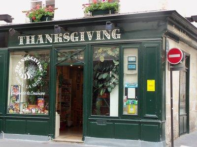 thanksgiving_paris_turkey_pumpkin_american_festive_grocery_store_shop