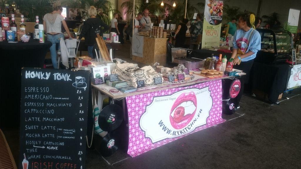 best_street_food_halls_vendors_stalls_trucks_paris_delicious_eats_my_kitchn
