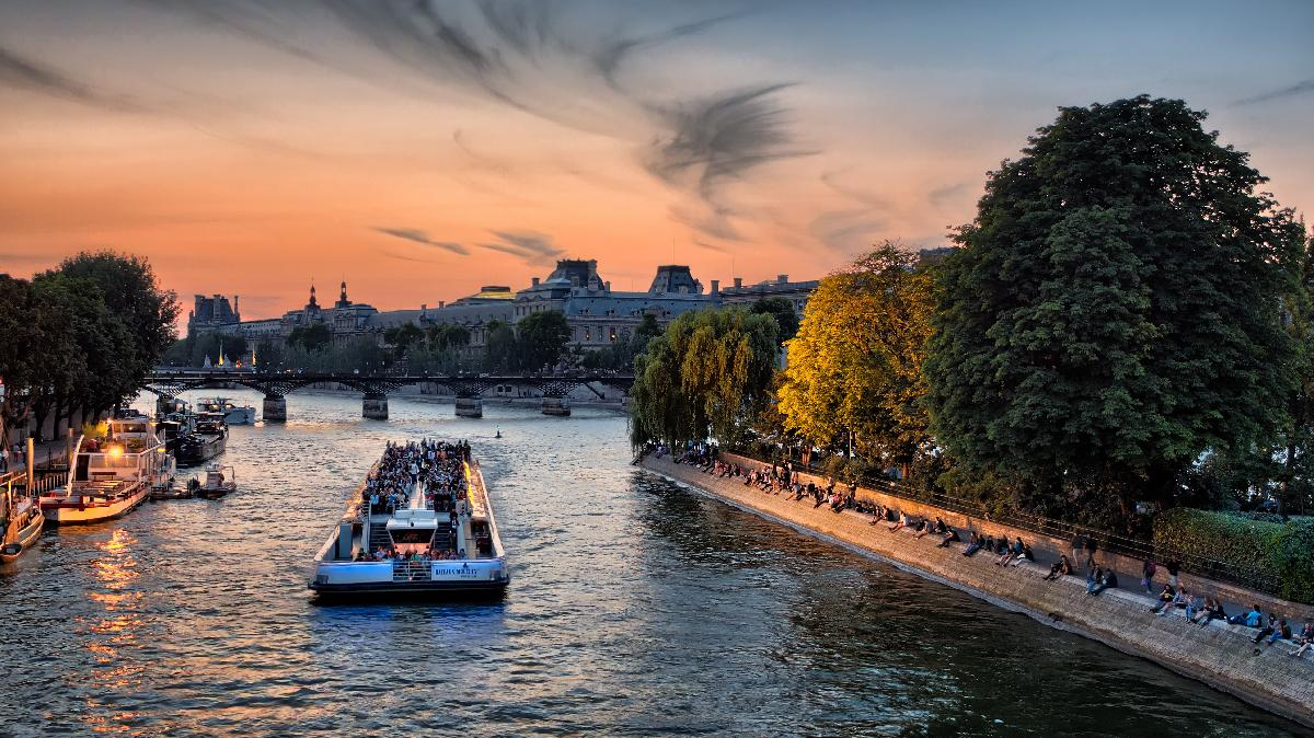 All Luxury Guide: Spending Valentine's Day in Paris