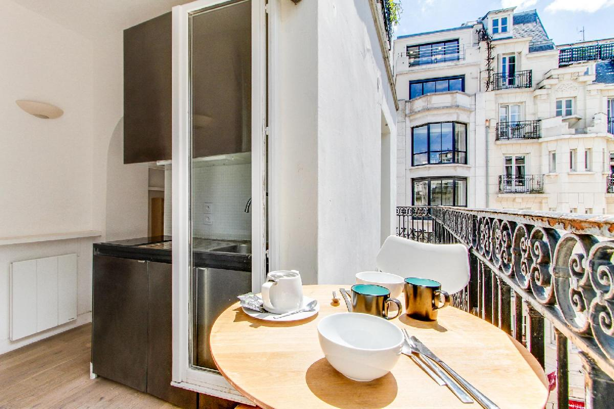 Romantic Luxury Apartments in Paris for Couples
