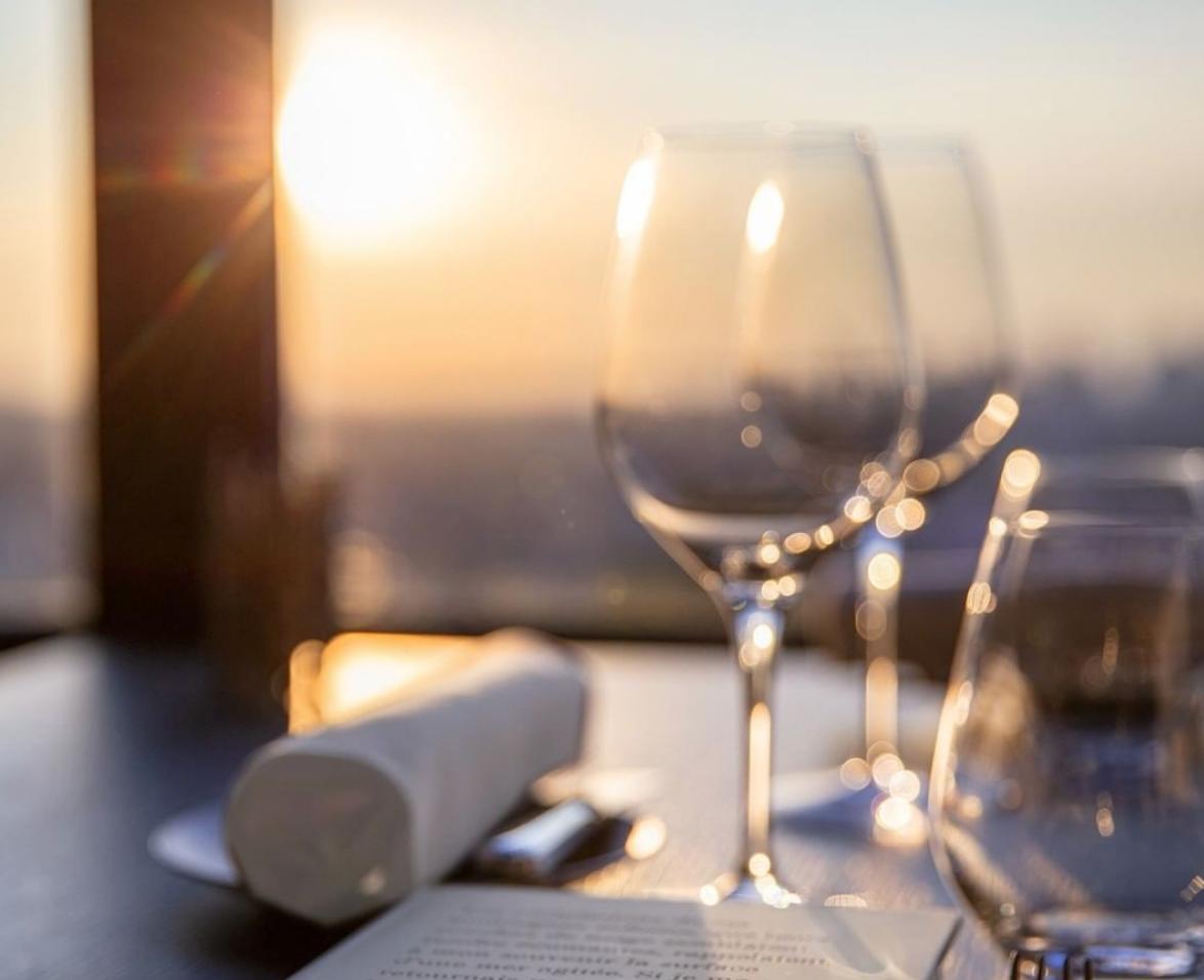 8 of The Most Romantic Restaurants in Paris