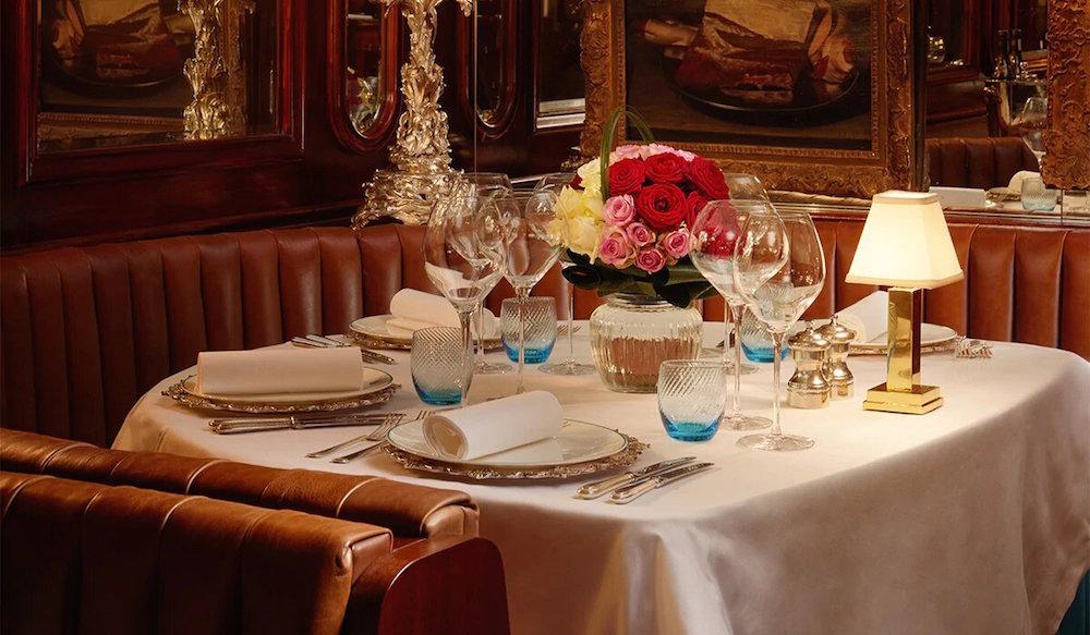 Dining with Royalty: Noteworthy Restaurants Near Buckingham Palace