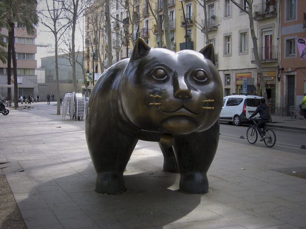 10 Sculptures You Need To Take A Selfie With in Barcelona