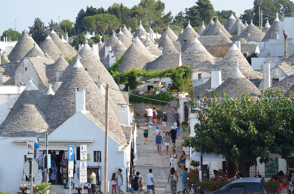 10 Reasons Why You Should See The Huts of Alberobello
