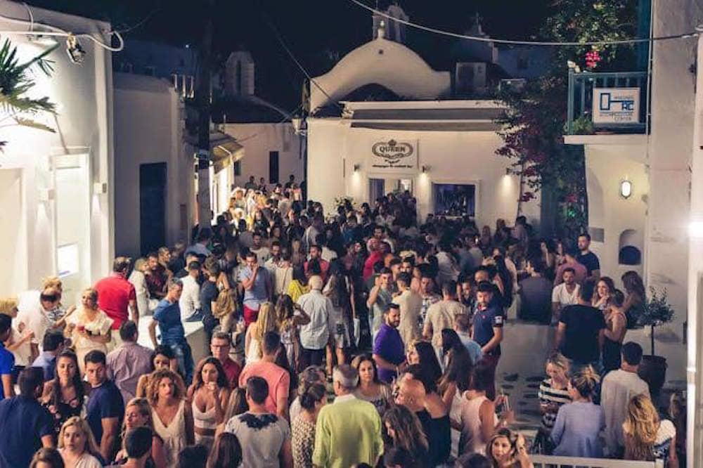 The 11 Best Cocktail Spots in Mykonos