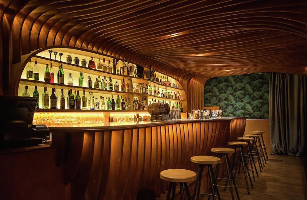 Sexy Happy Hour: Barcelona's Most Intimate Bars To Go For A Hot Date