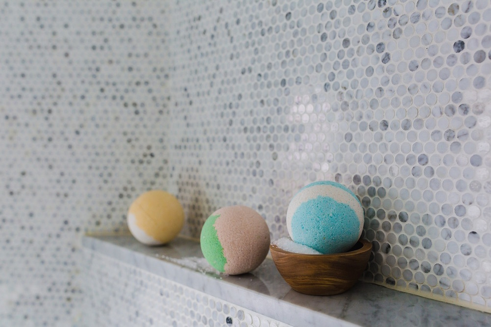 Make Your Own Beautiful Bath Bombs at Home