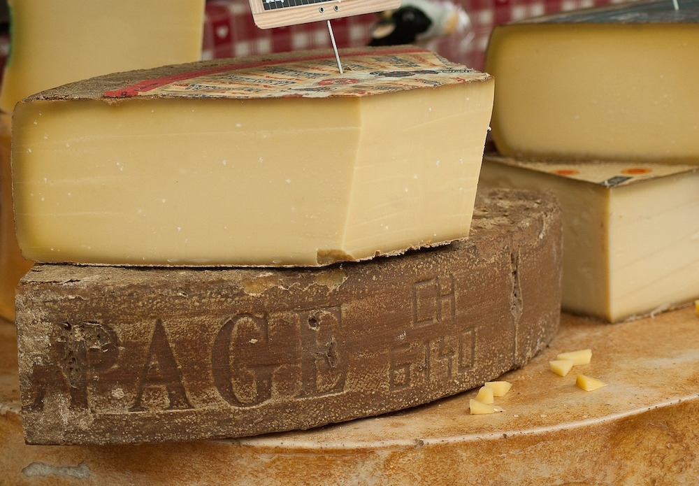 The Tastiest Kinds of French Cheese to Eat at Home