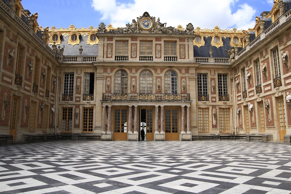 How to Emulate The Palaces of Versailles in Your Own Home