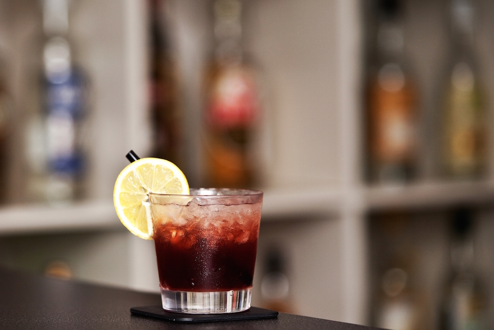 Popular London Cocktails You Can Mix at Home