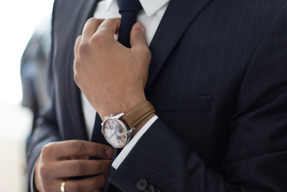 The Best Brands to Wear for a Nice Business Suit