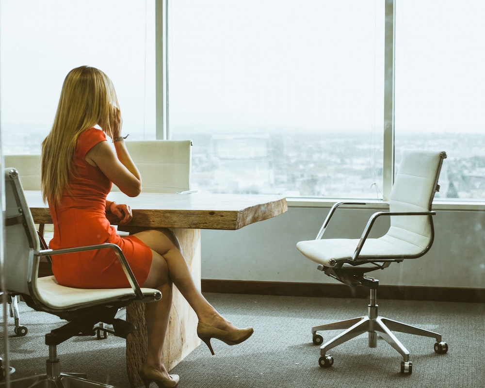 Top Essentials Women Need To Bring on a Business Trip