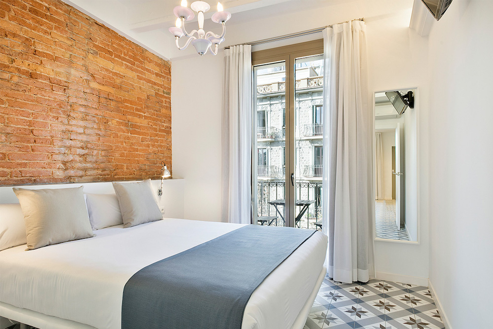 Great Barcelona Luxury Apartment Rentals with the Best Bedrooms
