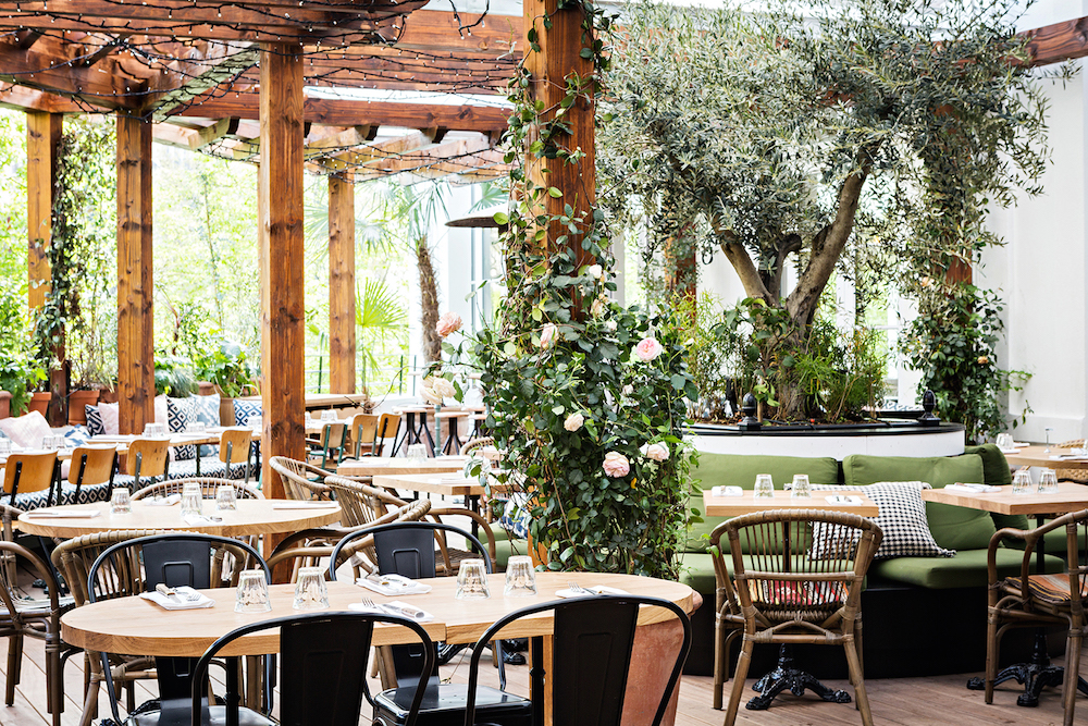 Enjoy Summer in These Great Parisian Bars with Terraces