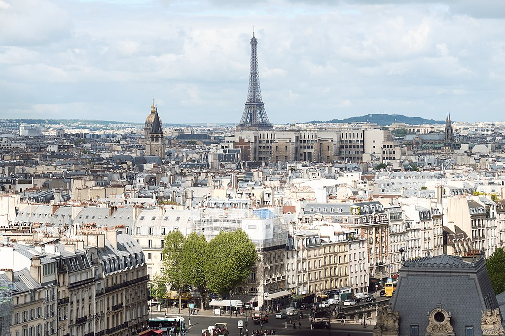 Moving to Paris: Your Relocation Guide