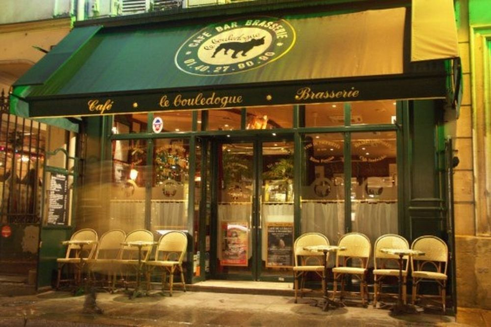 Adorable Animal-Friendly Cafés in Paris