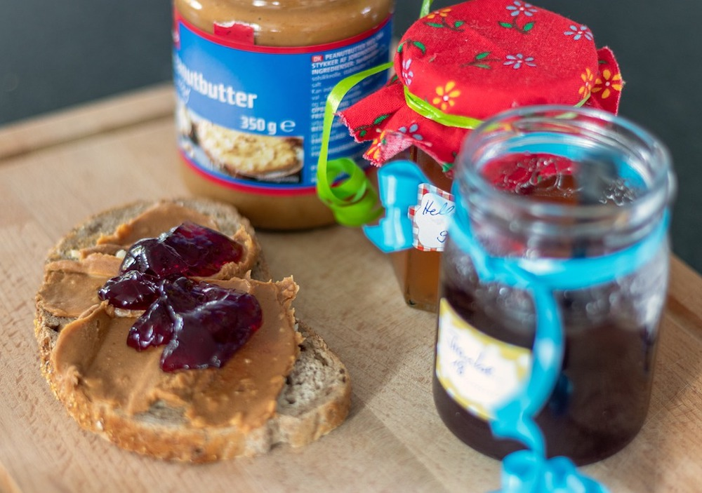 Healthy Snacks to Give Your Kids for School