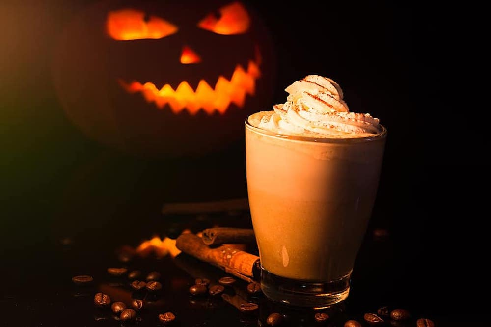 Delicious Halloween-Inspired Cocktail to Mix at Home