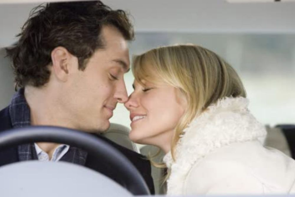Romantic Movies to Get You In The Mood This Holiday Season