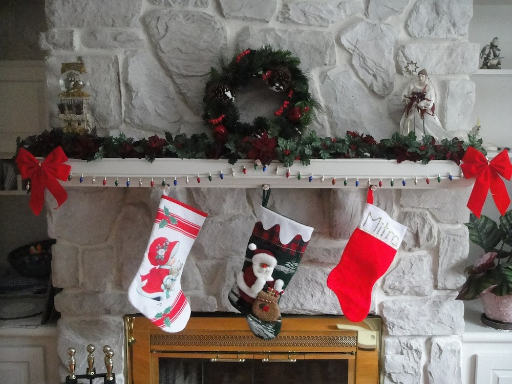 Easy American Christmas Traditions You Can Do At Home