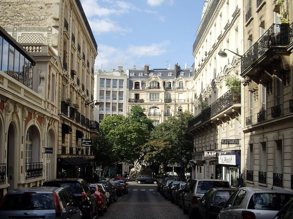 What To Expect in The Épinettes District in Paris