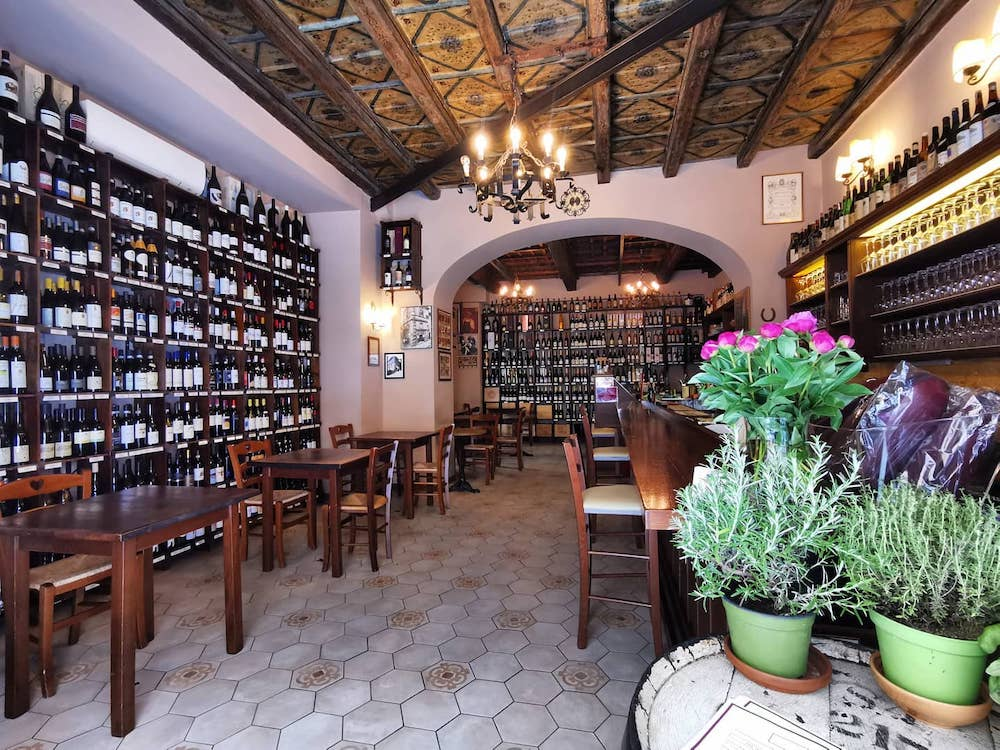 The Best Roman Wine Bars To Go To This Valentine's Day