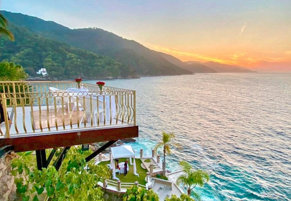 Some Of The Best Places To Eat In Puerto Vallarta