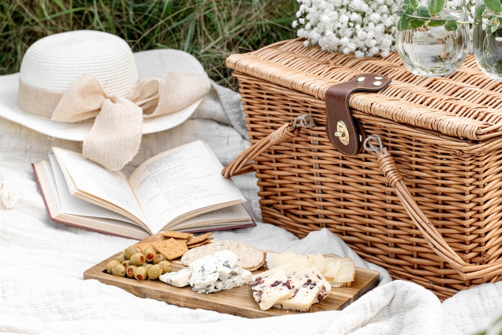 What To Eat For A Sunny Picnic in Paris