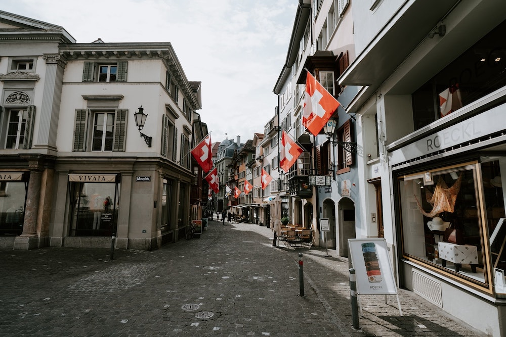Moving to Zürich: Your Relocation Guide