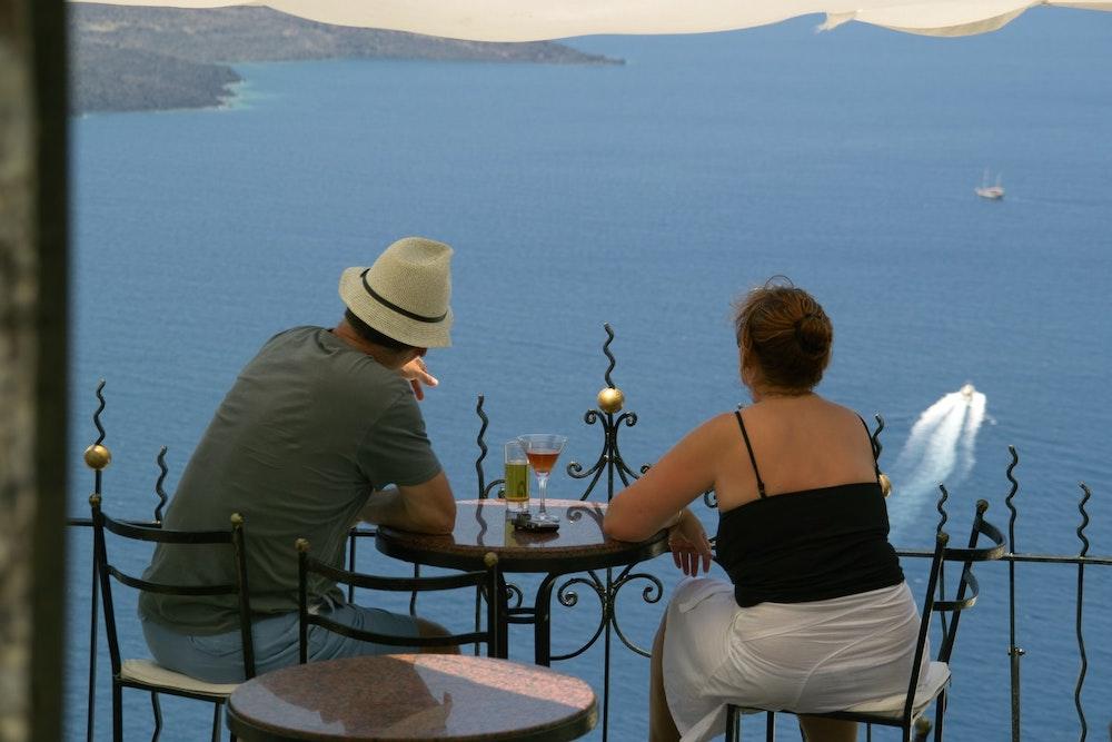 Where To Learn Greek in Santorini