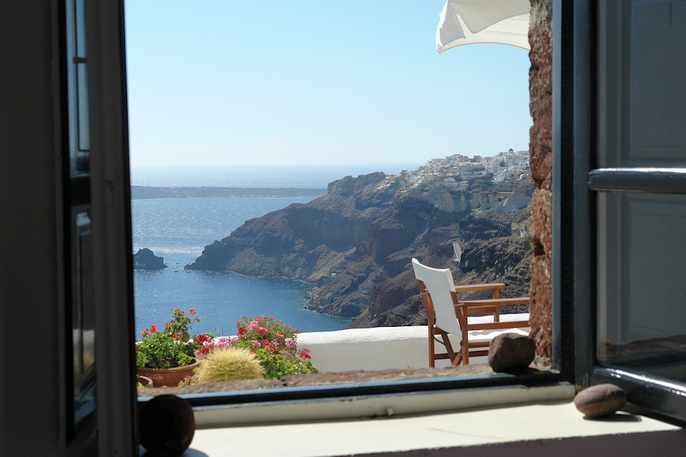 Moving to Santorini: Your Relocation Guide