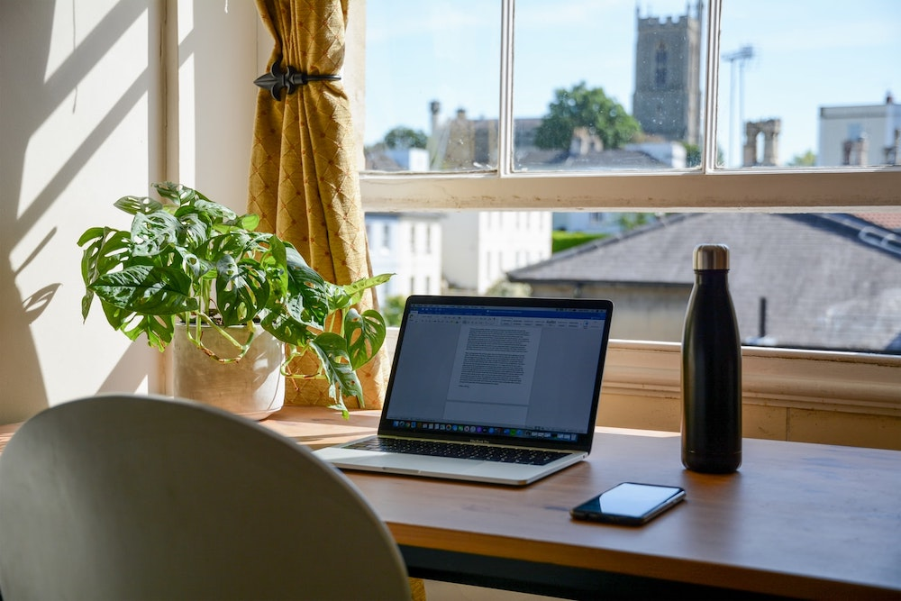 A Few Ways to Work at Home in Paris