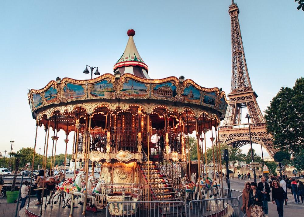 Must-Watch Family-Friendly Films Set in Paris